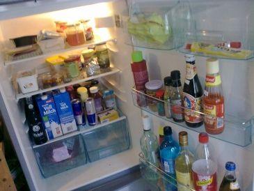 Jak odstranit zápach z lednice